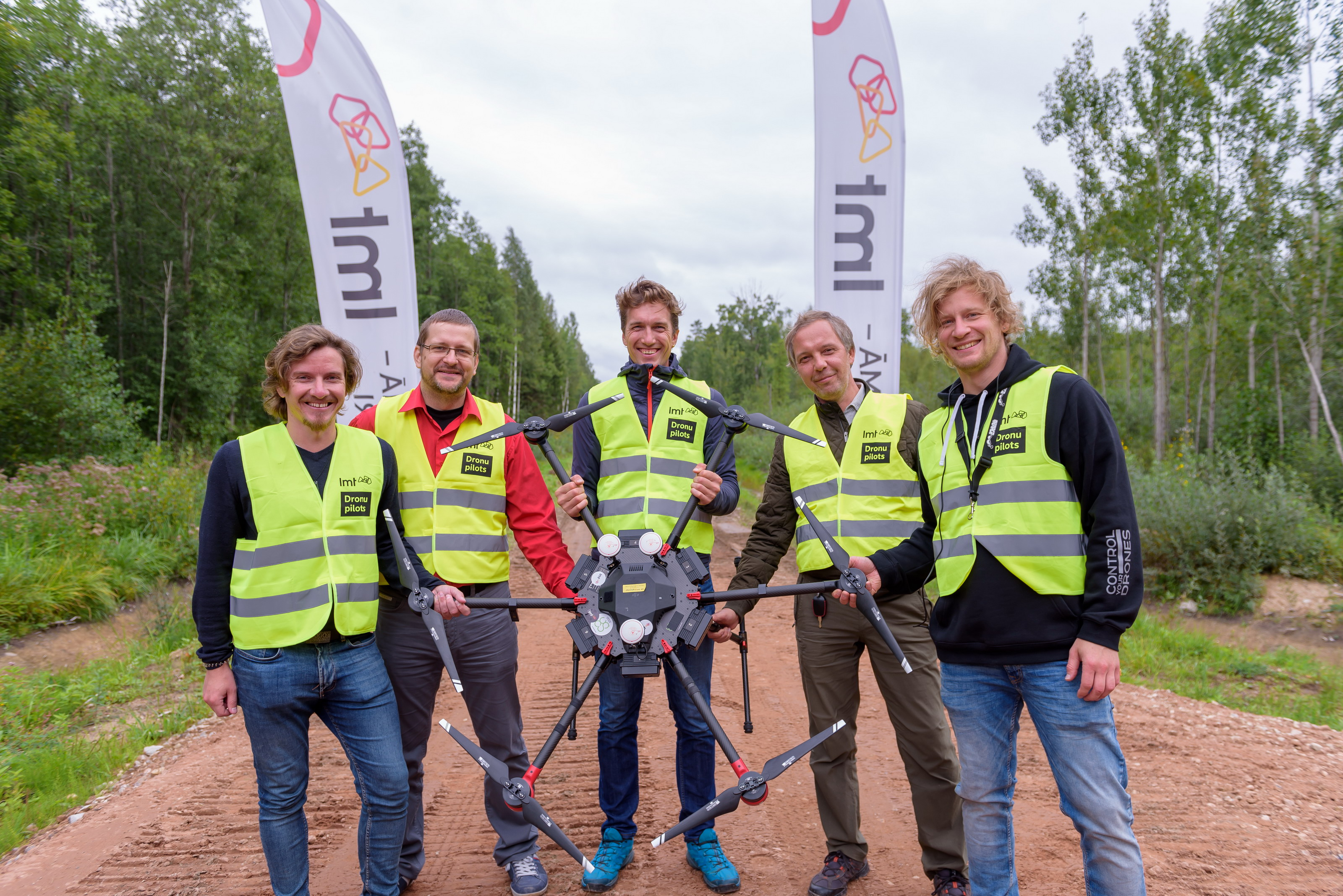 First cross-border drone flight on the mobile network with UgCS